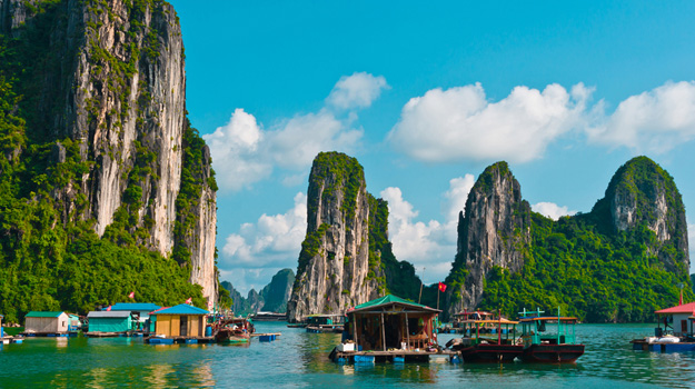Halong-Bay-in-Vietnam.jpg