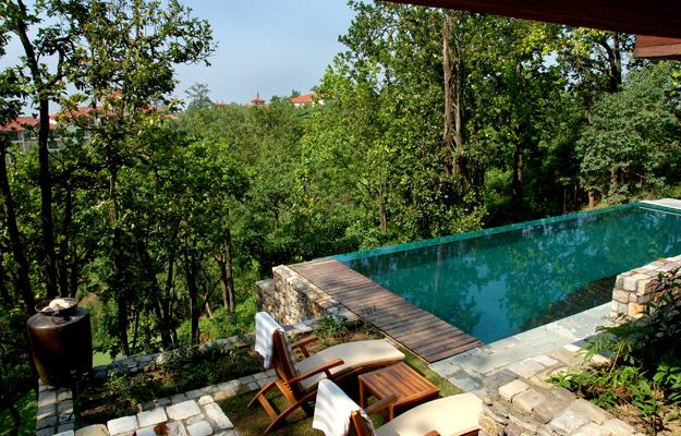 Ananda Spa, India, pool