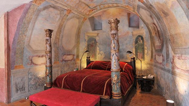 Chateau de Bagnols, room